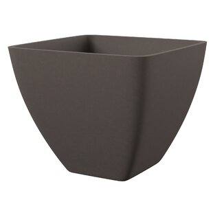 Estrella Composite Pot Planter by Mercury Row