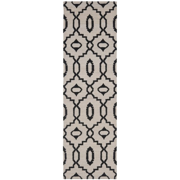 Dhurries Ivory/Black Area Rug by Safavieh