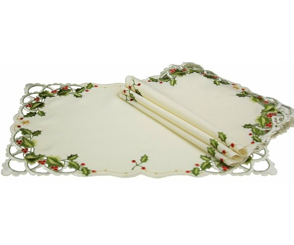 Winter Berry Christmas Placemat (Set of 4) by Xia Home Fashions