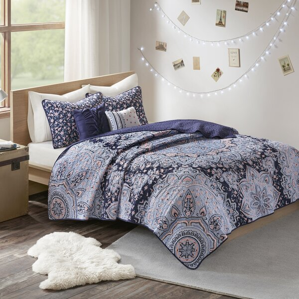 Vanmatre Boho Coverlet Set by Bungalow Rose