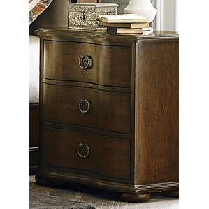 Caudalie 3 Drawer Bachelor's Chest by Astoria Grand