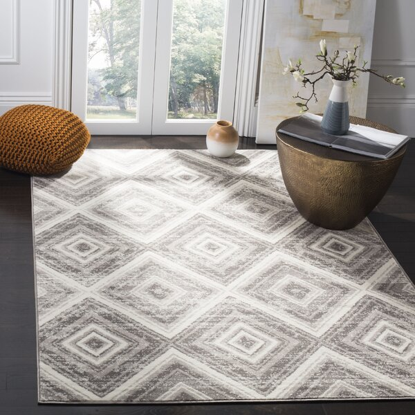 Coghill Gray/Ivory Area Rug by Wrought Studio