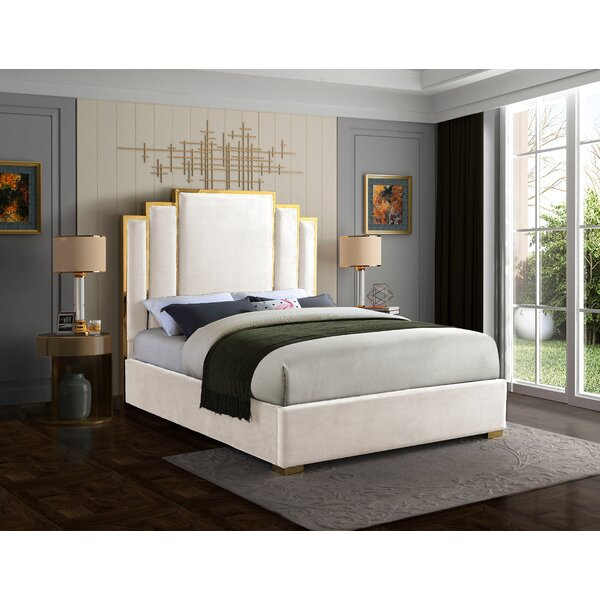 Amaia Velvet Upholstered Platform Bed by Mercer41