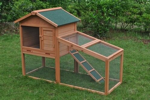 Dakota Wooden Pet House Chicken Coop with Chicken