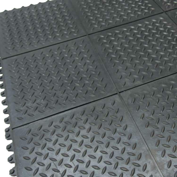 Revolution Diamond Plate Interlocking Rubber Tile