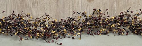 Pip Berry Colonial Mix Garland by The Holiday Aisle