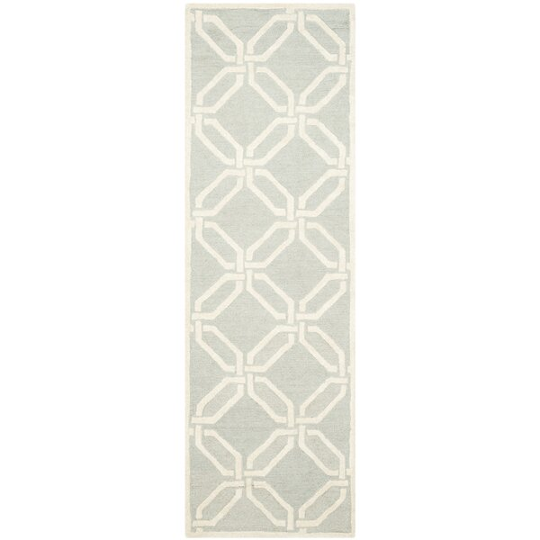 Martins Hand-Tufted Light Grey/Ivory Area Rug by Wrought Studio