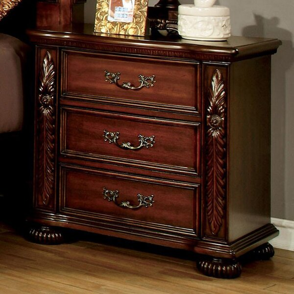 Gragg 3 Drawer Nightstand by Astoria Grand