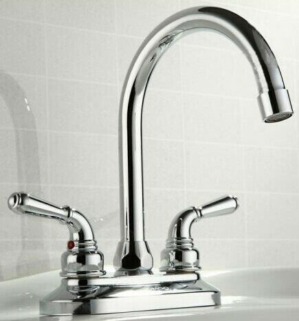 Apogee Centerset Bathroom Faucet by Lenova