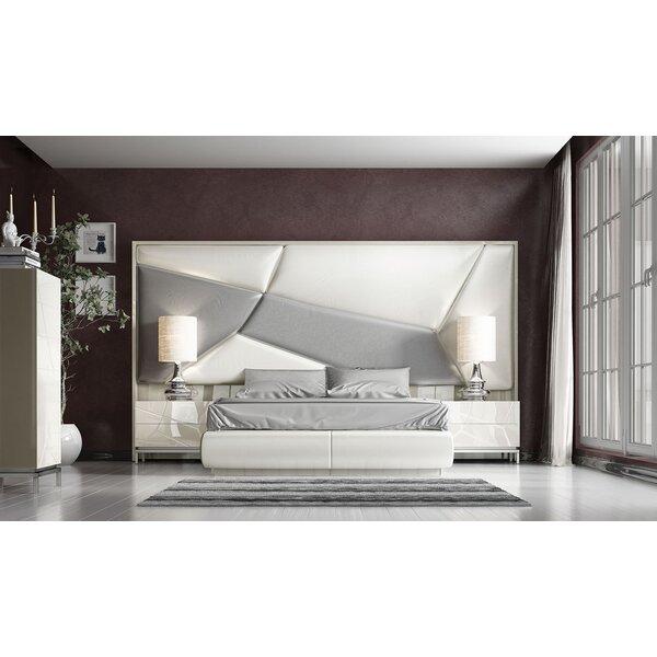 Helotes Queen Upholstered Platform Bed by Orren Ellis