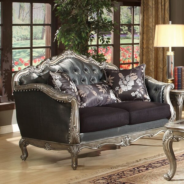 Review Chantelle Loveseat