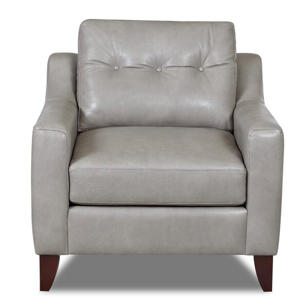 Review Levell Armchair