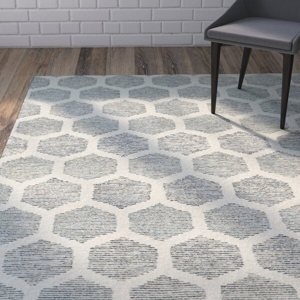 Cilegon Hand-Tufted Ivory/Green Area Rug by Wrought Studio