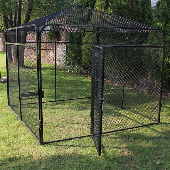 Alto Expanded Metal Yard Kennel with Peaked Top by Tucker Murphy Pet