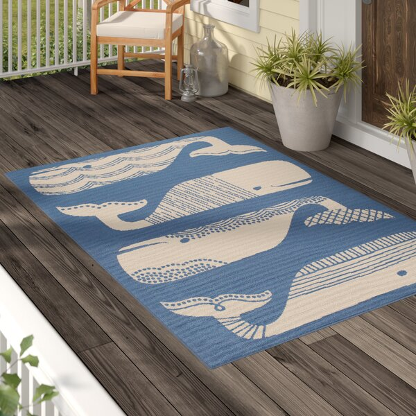 Janiyah Patterned Whales Blue/White Indoor/Outdoor Area Rug by Breakwater Bay