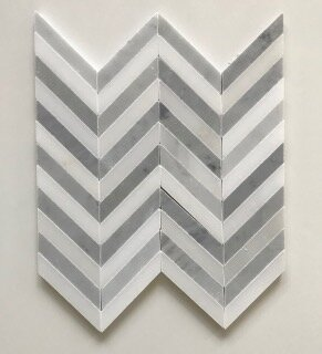 London Chevron 0.63 x 3.37 Marble Mosaic Tile in White/Gray by La Maison en Pierre