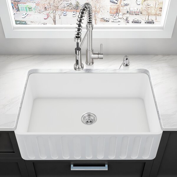 33 L x 18 W Farmhouse Kitchen Sink by VIGO