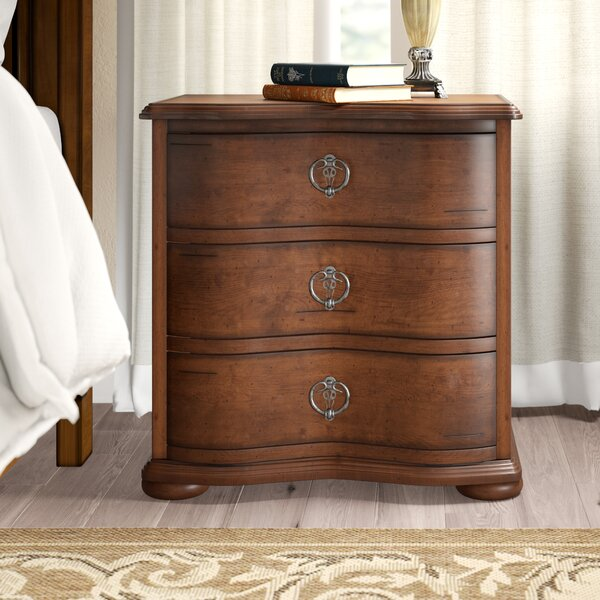 Elwood 3 Drawer Bachelors Chest By Darby Home Co by Darby Home Co Discount