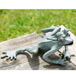 Mama And Baby Garden Frogs Statue