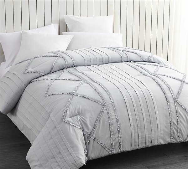 Whitehall Ruffles Comforter by Gracie Oaks