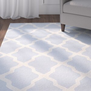 Sugar Pine Hand-Tufted Blue/Ivory Area Rug