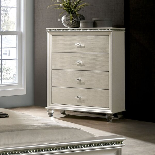 Setzer 4 Drawer Chest by Everly Quinn