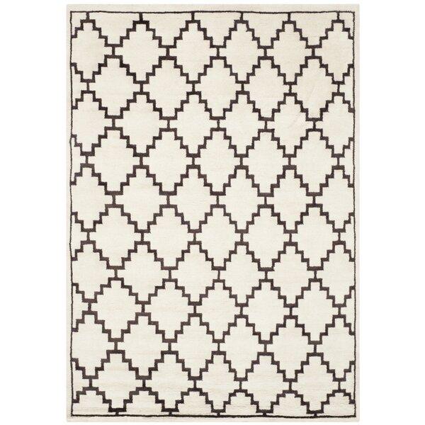 Mosaic Beige / Charcoal Geometric Rug by Safavieh