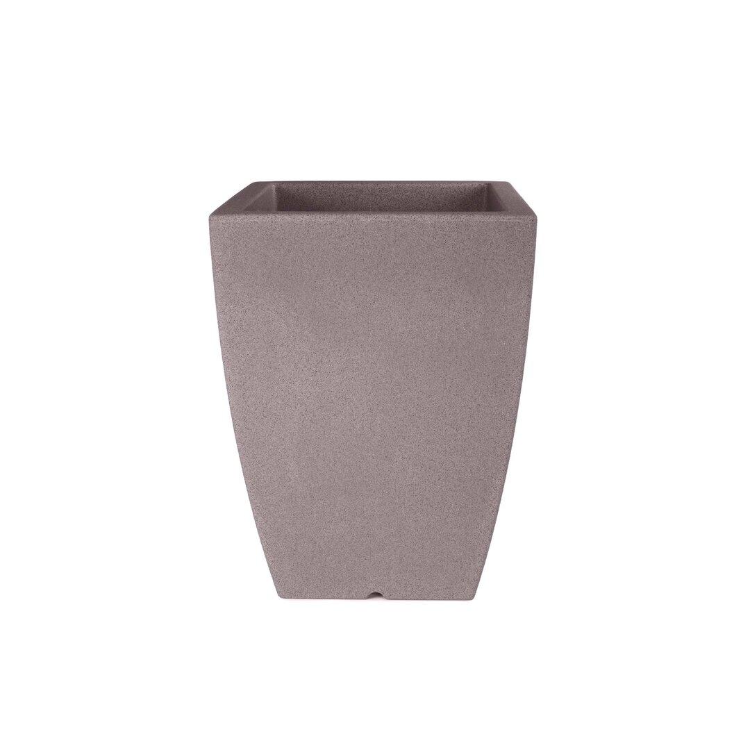 Deniqua Plastic Planter Pot