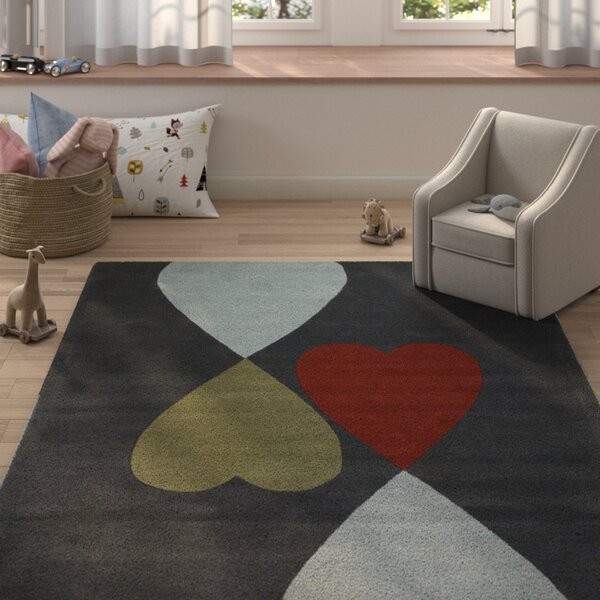 Garrett Heart Area Rug by Zoomie Kids