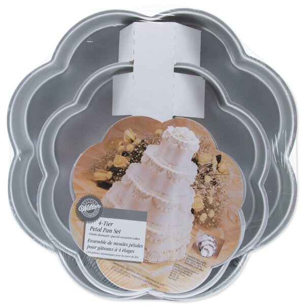 Petal Novelty Pan Set by Wilton