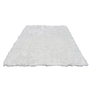 Top Reviews Rashud Faux Fur White Area Rug By Everly Quinn