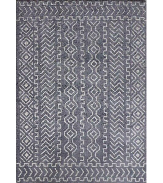 Ena Diamond and Square Handmade Gray/White Area Rug by Union Rustic