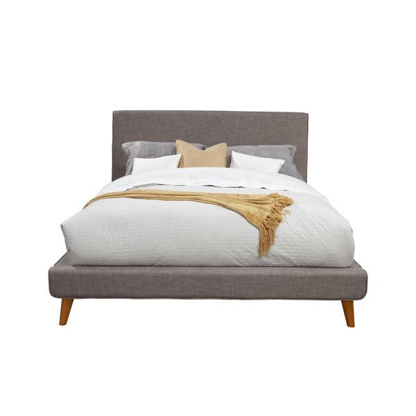 Parocela Upholstered Platform Bed by Foundstone