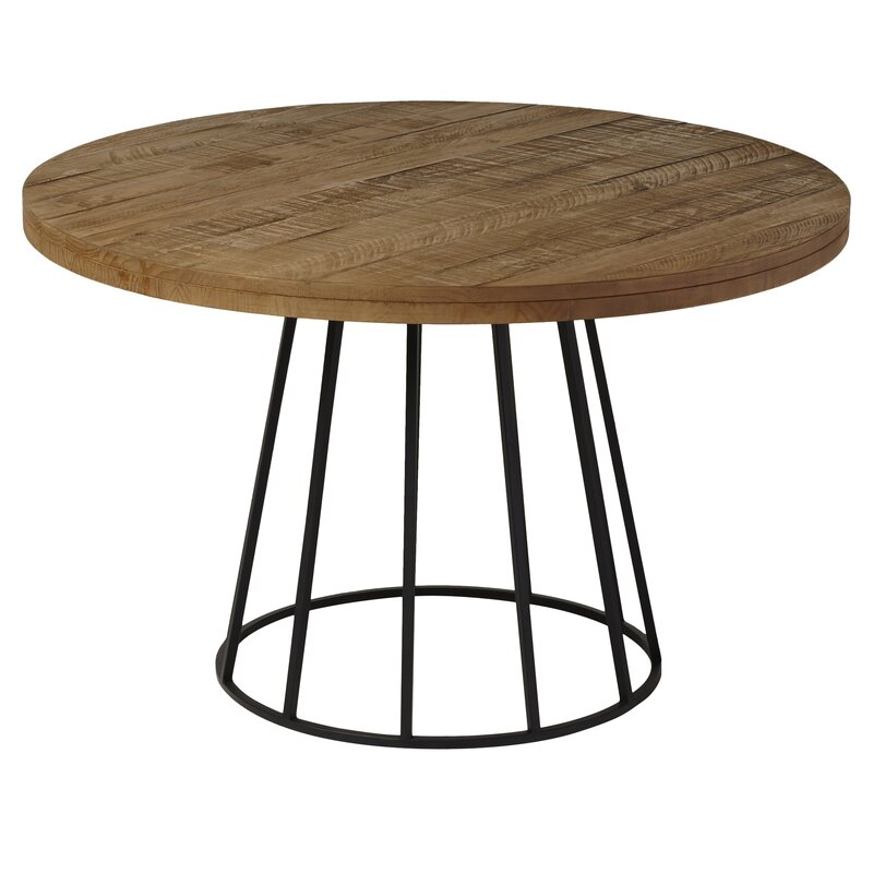 Grus Dining Table