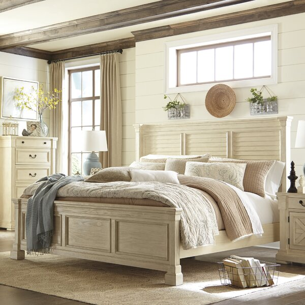 Traditional Wood Standard Bed by Alcott Hill