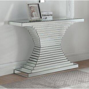 Levita Console Table
