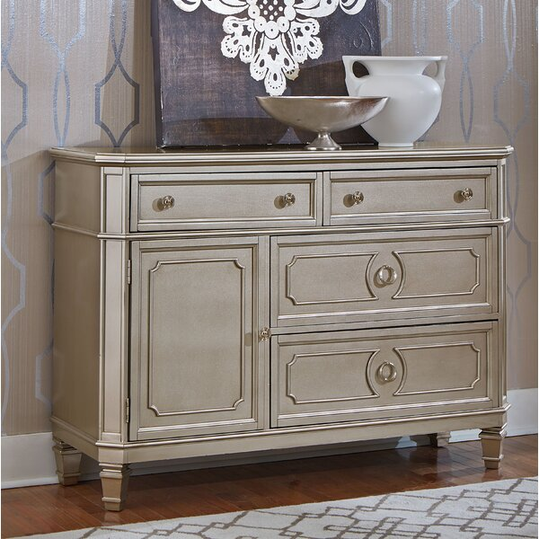 Warrenville 4 Drawer Combo Dresser by Standard Furniture