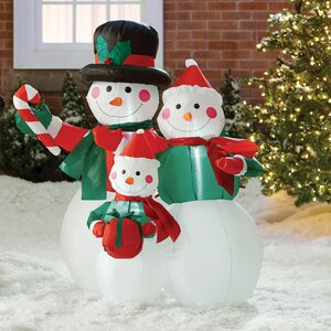 Snowmen Family Decoration
