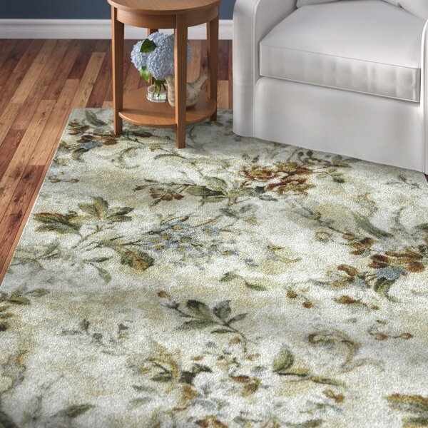 Sisson Ivory/Green Area Rug by Alcott Hill