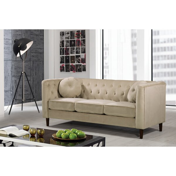 Stylish Kitts Classic Chesterfield Sofa by Everly Quinn by Everly Quinn