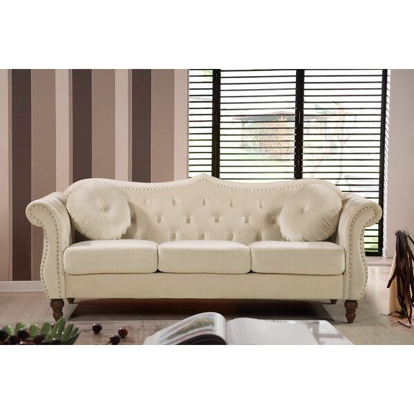 Evianna Nailhead Chesterfield Sofa by Rosdorf Park