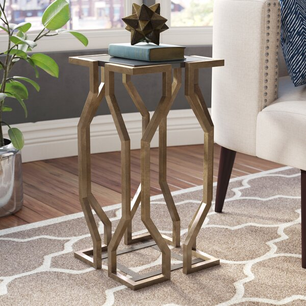 Lundstrom Geometric End Table by Ivy Bronx