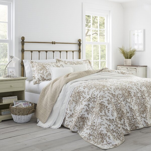 Bedford Cotton Reversible Quilt Set by Laura Ashle