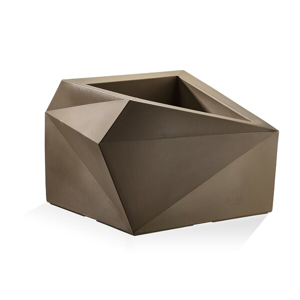Origami Plastic Pot Planter by Crescent Garden
