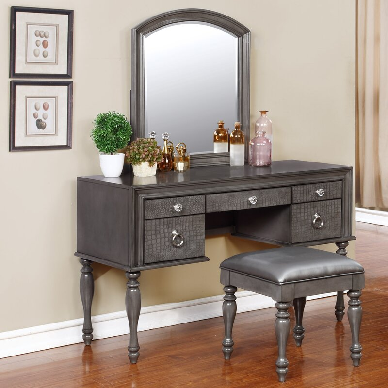 Florine Vanity Set With Mirror