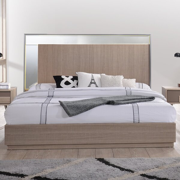 Bulluck Platform Bed by Corrigan Studio