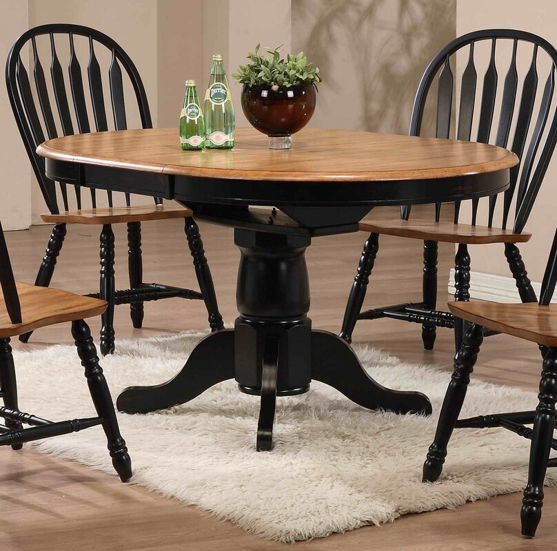 Beachcrest Home Florentia Extendable Dining Table
