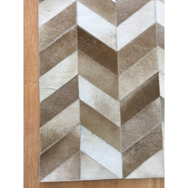 Hand-Woven Brown / Ivory Area Rug by Eastern Weavers