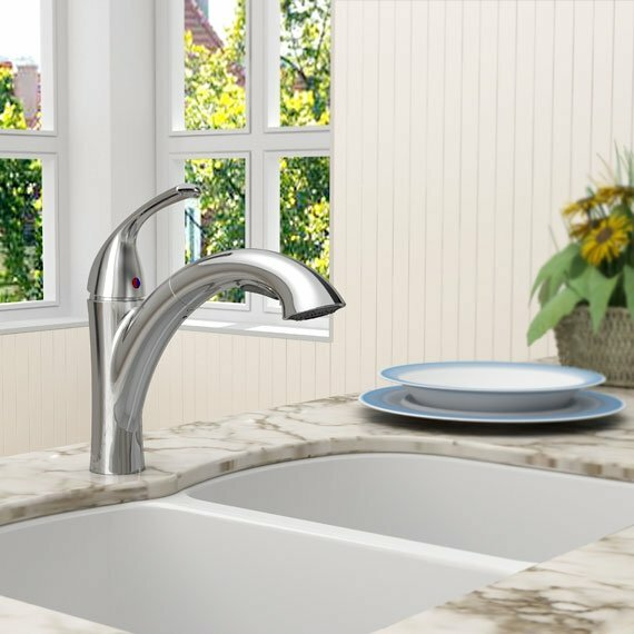 Quince Pull Out Single Handle Kitchen Faucet by American Standard