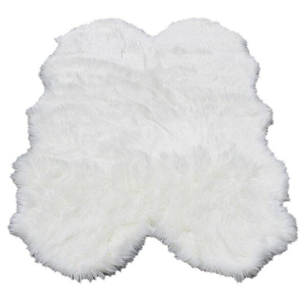 Ilka Faux Fur White Area Rug by Everly Quinn